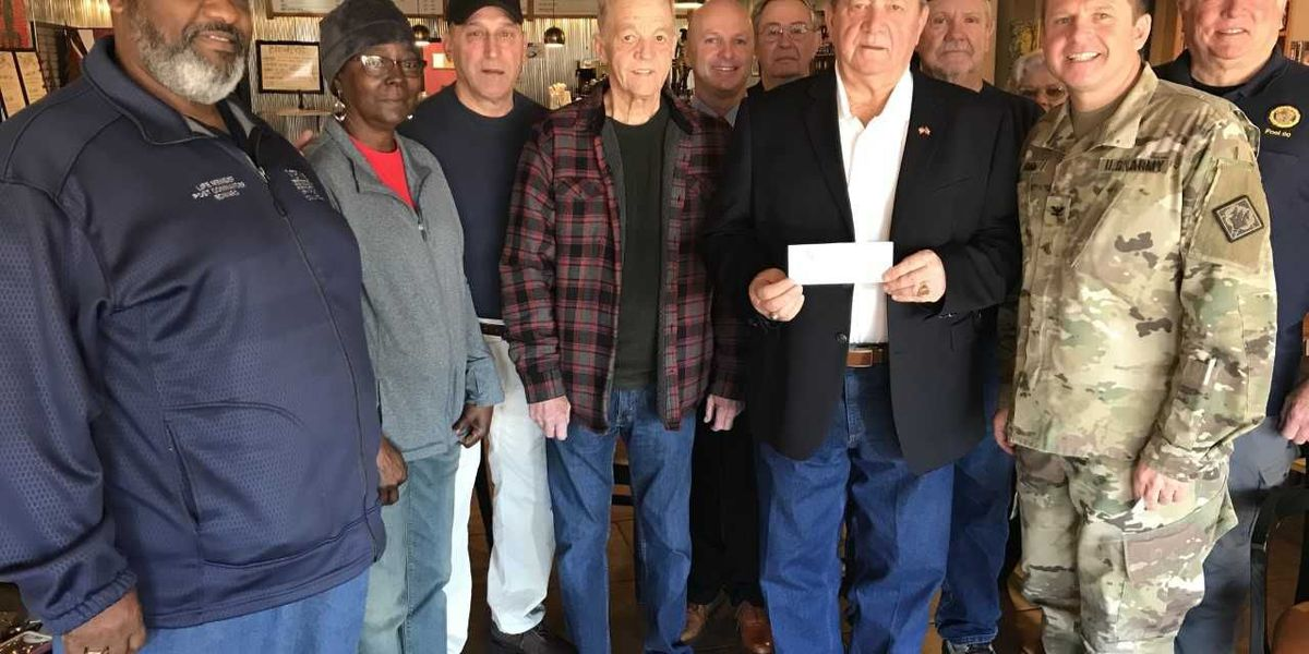 Wounded Minutemen get $5,000 from Columbia Veterans Picnic