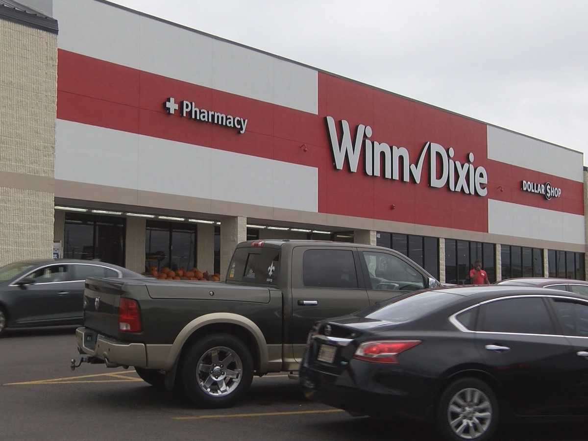Renovated Hattiesburg Winn Dixie includes new pharmacy, floral department