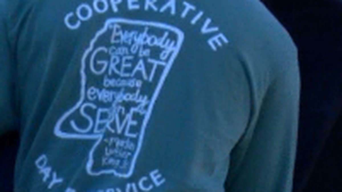 Cooperative Energy employees volunteer for MLK Day
