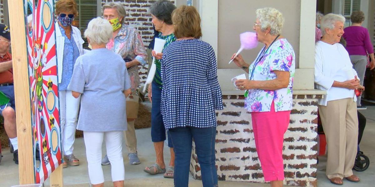 Hattiesburg senior living facility hosts 'A Day at the Fair' for residents