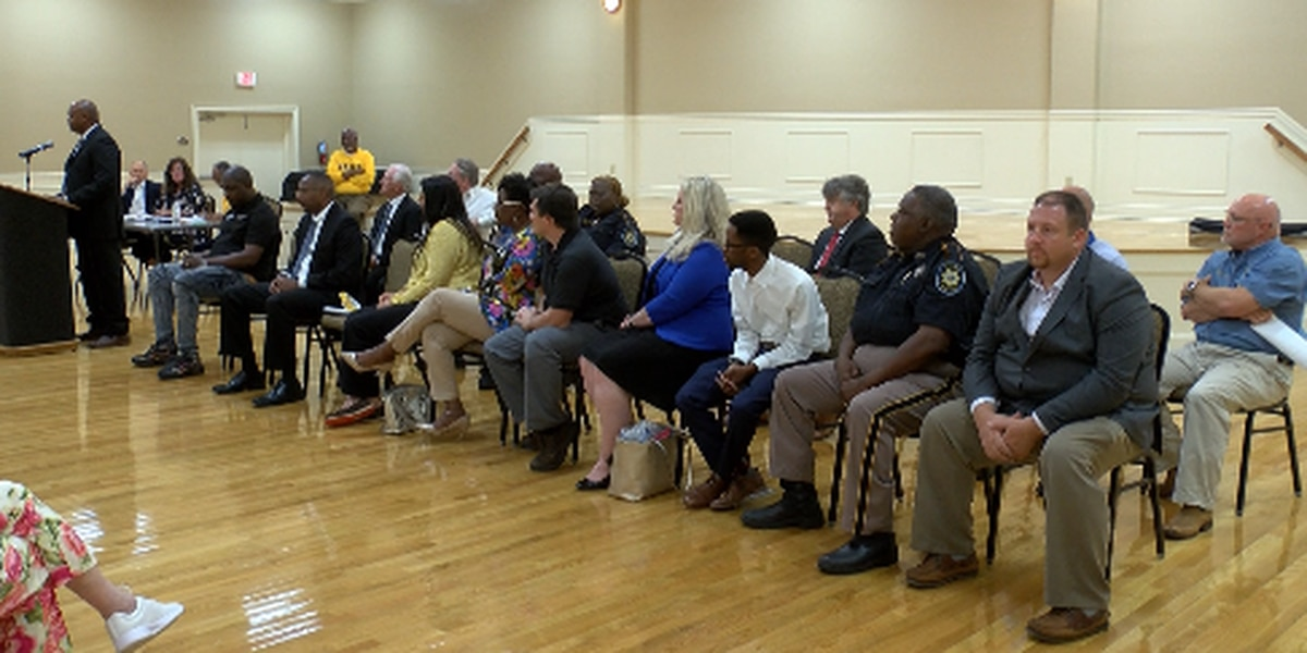 Political forum held for Forrest County candidates