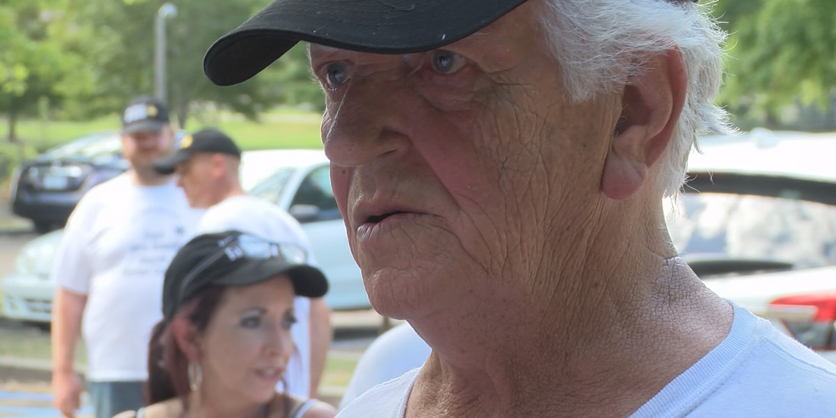 Forrest County sheriff's candidate Oswalt meets voters at Kamper Park rally