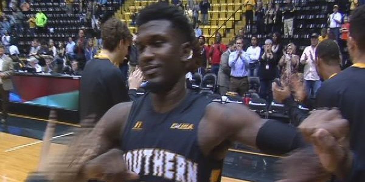 Southern Miss pulls off the upset, tops UTEP 63-60