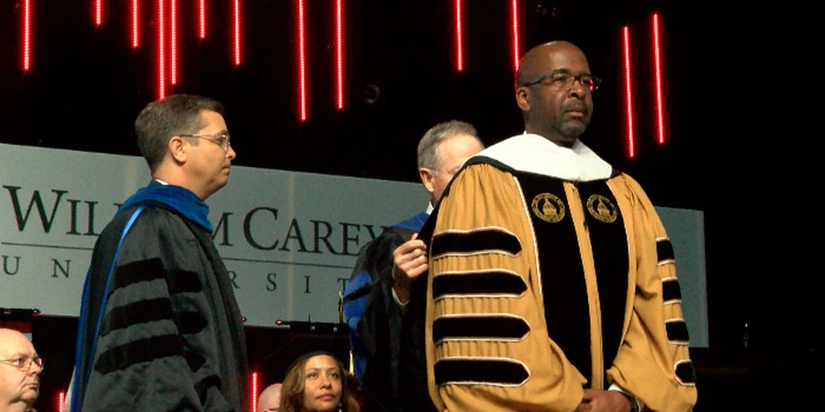 USM's President receives honorary degree from William Carey University