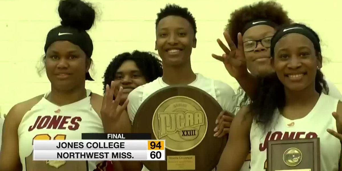 Lady Bobcats dominate their way to 4th straight Region 23 crown