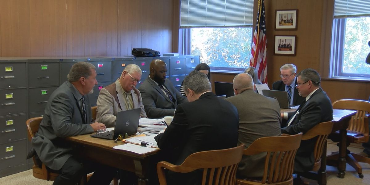 Newly elected officials take office in Jones County