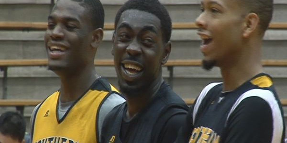 Southern Miss escapes Mississippi College, 96-95